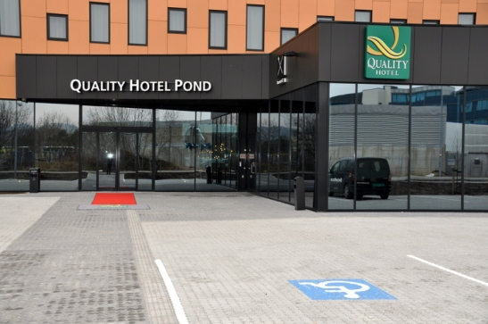 quality-hotel-pond-009