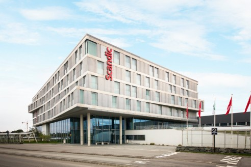 scandic-stavanger-airport-exterior-facade-entrance