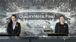 reception-quality-hotel-pond
